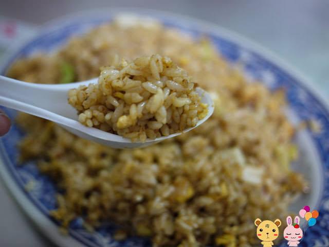【逢甲夜市】異國風味美食店。拉薩炒飯炒飯