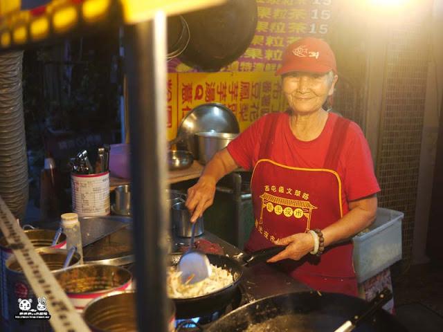 【台中美食】學生熱情相挺-和藹可親的阿婆炒飯