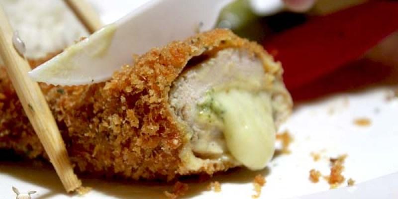 【金門特色美食】波士頓爆漿雞排飯(起司味)-三言兩語