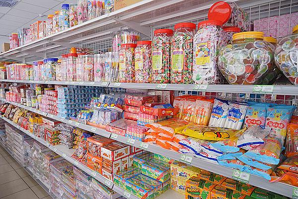 台中零食批發約訪│唐采五權西路店新開幕,超多古早味零食批發在這啦