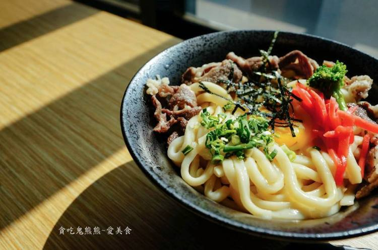 高雄美食 三民區/豚丼日式炒麵丼飯-學生首選,不到百元的丼飯,份量又多!