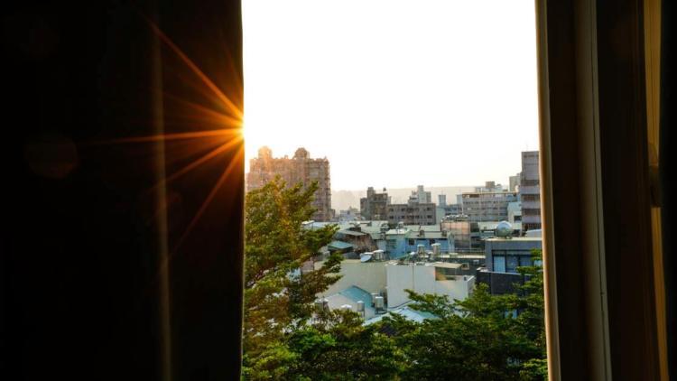 【住宿】  台中逢甲住宿-葉綠宿旅館 Green Hotel-房間走出去5分鐘就是逢甲夜市,好感人