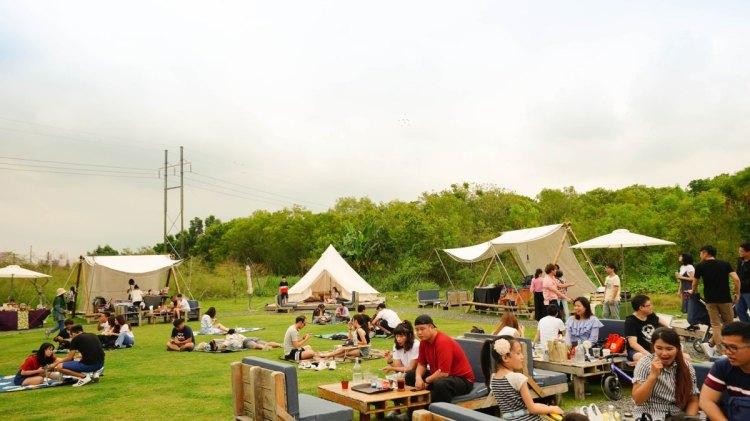 屏東美食 潮州鎮/粮田集市-在草地上搭著帳篷裡,我們聽著音樂享美食野餐去