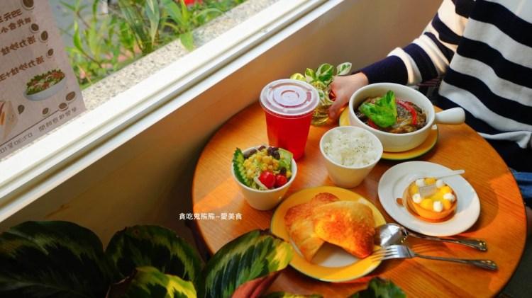 高雄楠梓區早午餐 媚力泊咖啡楠梓店-聚餐好所在,輕食飲品麵包甜點複合式咖啡店