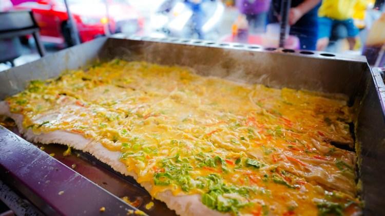 高雄楠梓區早餐 宥盛古早味蔬菜蛋餅-佛心老闆,沒吃過這麼大份量又便宜的蛋餅啦