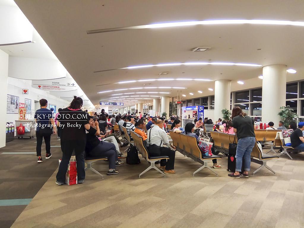 【日本】。九州福岡機場免稅店、福岡機場地下鐵交通巴士 - [自己的小小世界] 旅遊.攝影