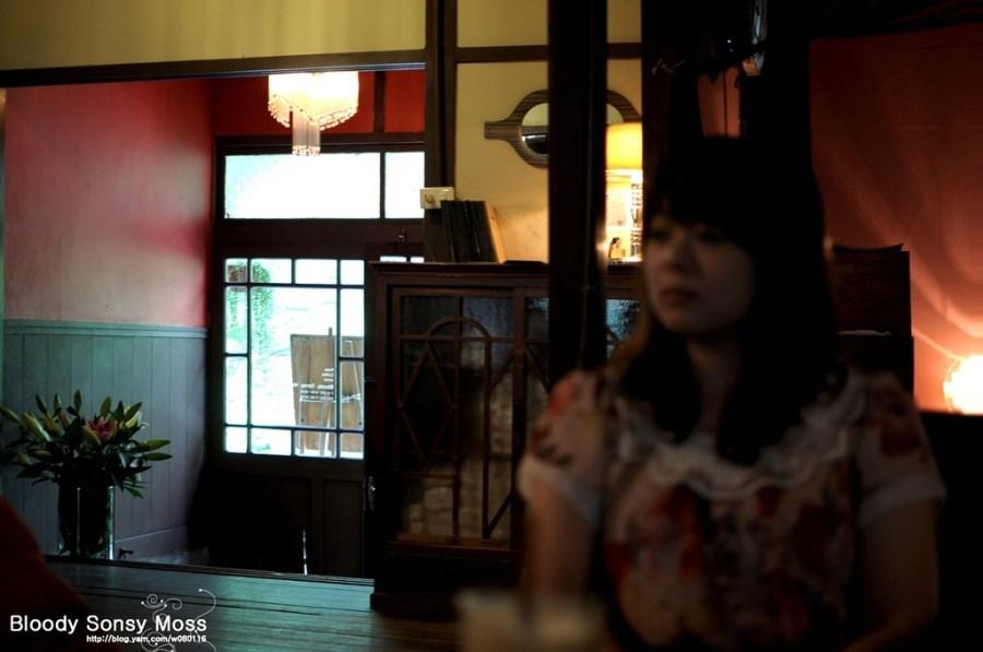 【台中】。太平路上老舊餐廳 Bloody Sonsy Moss