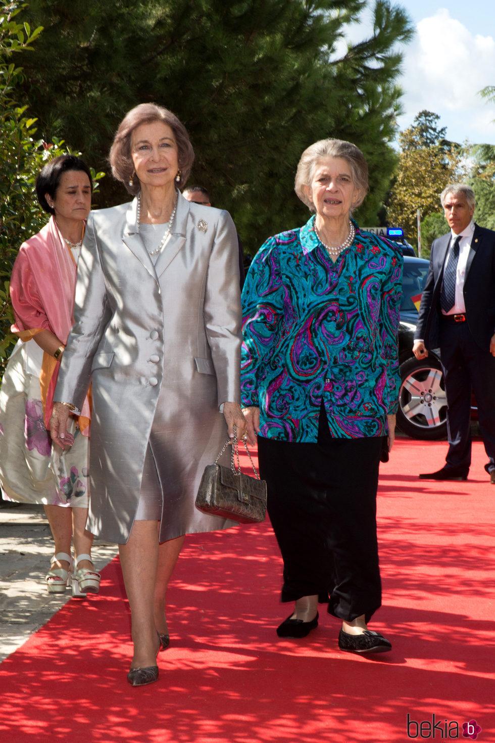 La Reina Sofa e Irene de Grecia en la boda de Leka de