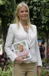 Gwyneth Paltrow con su libro de recetas 'Notes from my ...