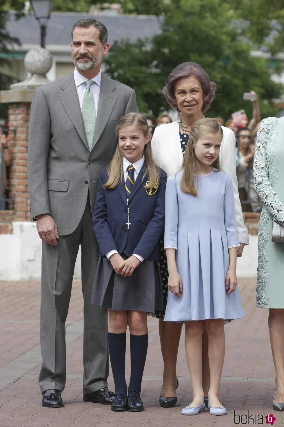 La Infanta Sofa con el Rey Felipe la Princesa Leonor y