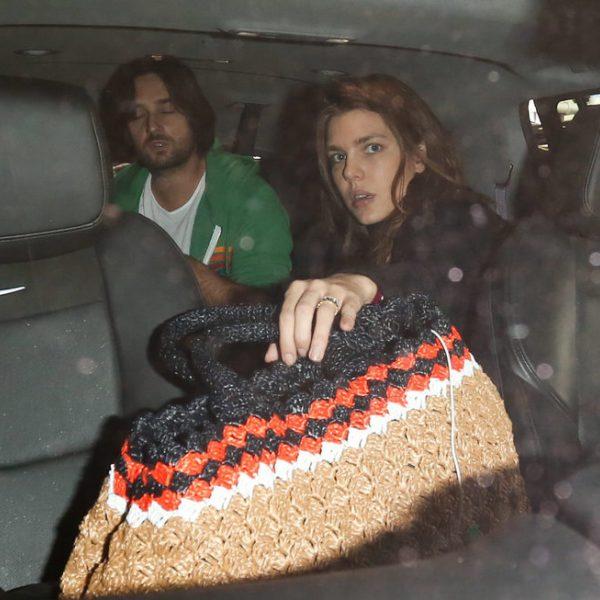 Carlota Casiraghi y Dimitri Rassam subidos a un coche en