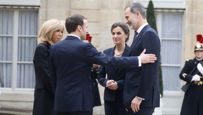 Emmanuel Macron and Brigitte Macron welcomed to the Kings Felipe and Letizia at the Elysee
