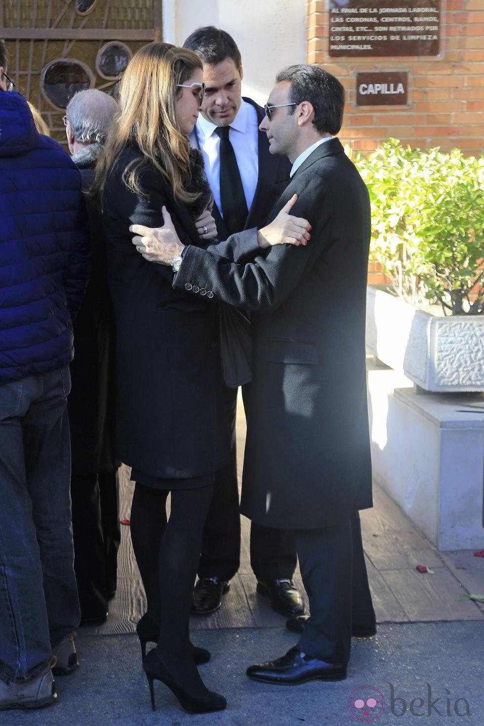 Margarita Vargas y Luis Alfonso de Borbn con Enrique