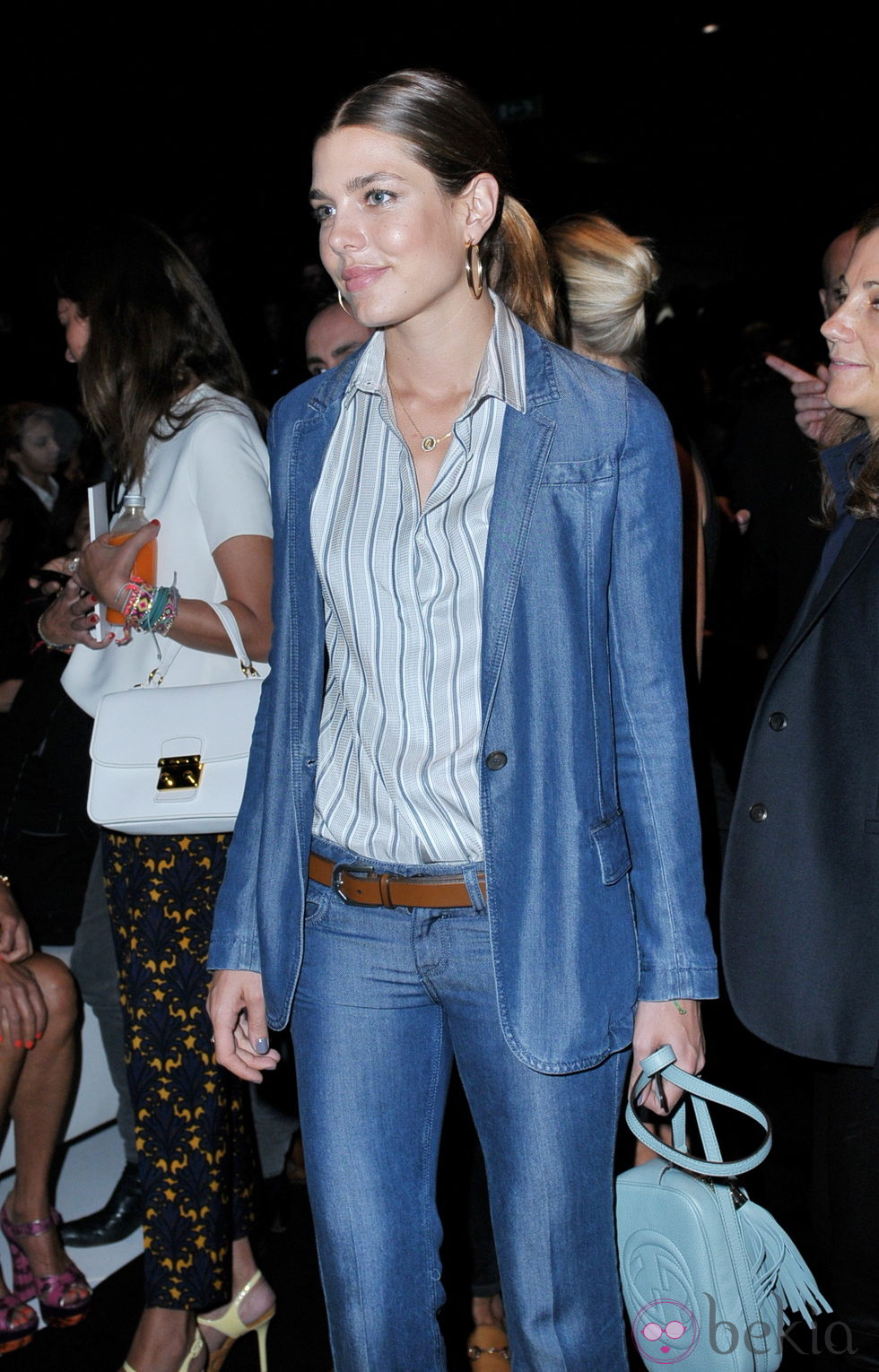 Carlota Casiraghi con un total look denim  El estilo de