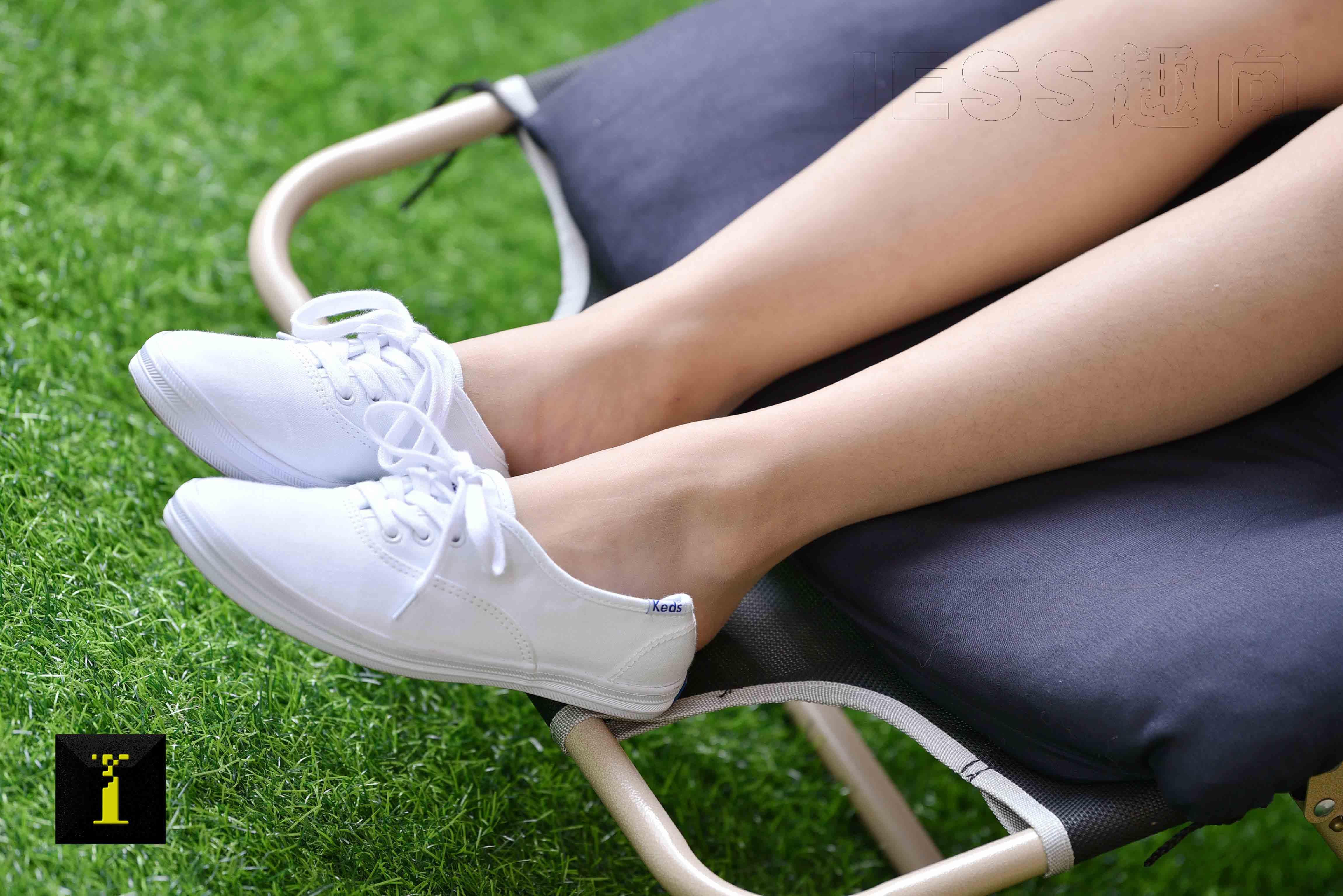[IESS異思趣向] 普惠集 151-信子的JK和小白鞋 [75P109MB] - 奈雪の圖