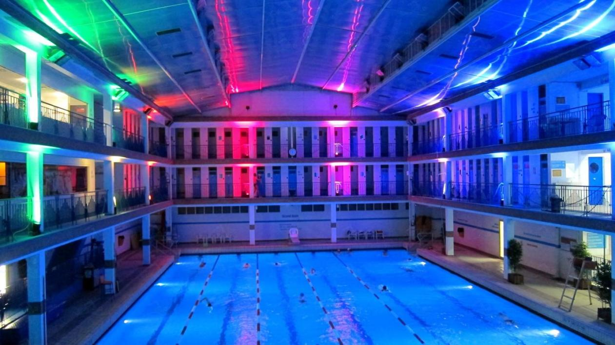 Piscine Pontoise Fitness Les 5 Plus Belles Piscines De Paris