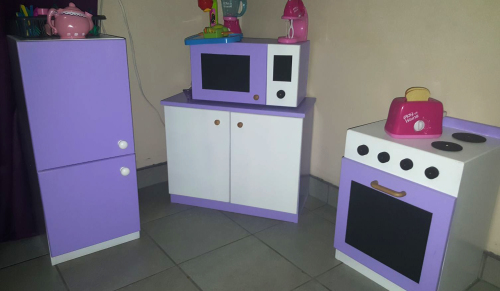 Small Childrens Kitchen Set