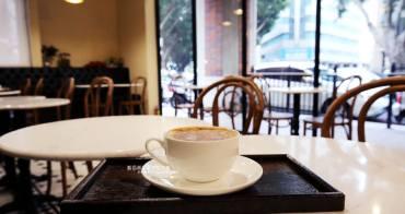 台中西屯│Cross Caffe就享手沖單品義式咖啡-十字街角光線充足咖啡館