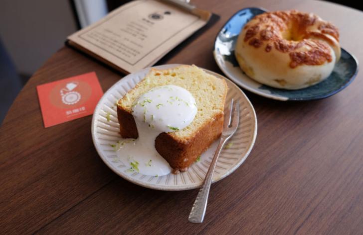20191201113759 87 - 葵珈琲│太平自家烘焙咖啡,白色系咖啡館,一大早就有營業,來吃早餐喝咖啡吧
