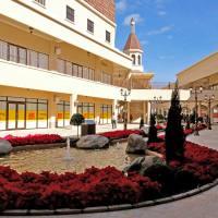 台中后里│麗寶Outlet Mall二期-打造唯美義大利風格商場,首座湖邊Outlet,全台唯一鐘樓造型星巴克