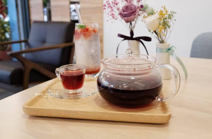 20200210193338 17 - Mysig cafe邁星科│結合客製化乾燥花複合式咖啡館,還有可愛的店長胖飽