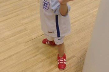 『學步鞋』孩子的學步開端,真皮舒服又透氣-美國shooshoos真皮學步鞋