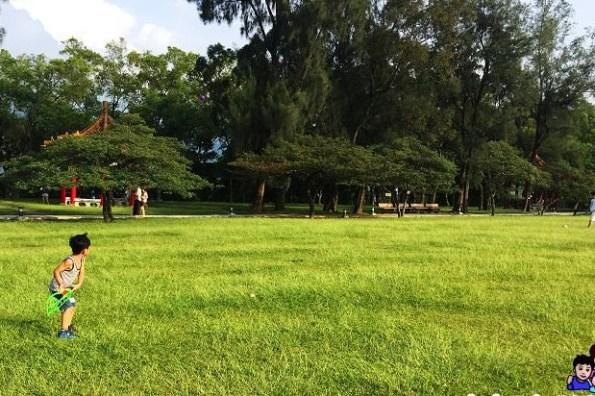 《 桃園親子踏青 》石管局大草坪@親子野餐、踢球、放風箏之萬坪公園景點