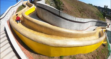 基隆也有超長溜滑梯 |  基隆孝德里鄰里公園,磨石子溜滑梯超滑超好玩,假日親子景點多一個 (附實況影片)