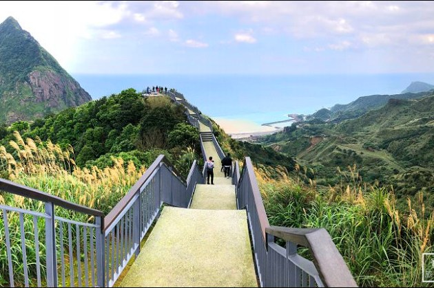 新北市東北角步道 | 金瓜石報時山步道~全台最短看海景觀步道.360度超寬景色(全新景觀平台新登場)