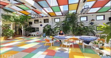 澎湖必訪咖啡館》半日閑下午茶~彩虹玻璃屋+希臘風建築夢幻IG打卡下午茶咖啡廳