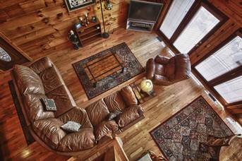 Spacious Den. at Livin' Lodge in Sky Harbor TN