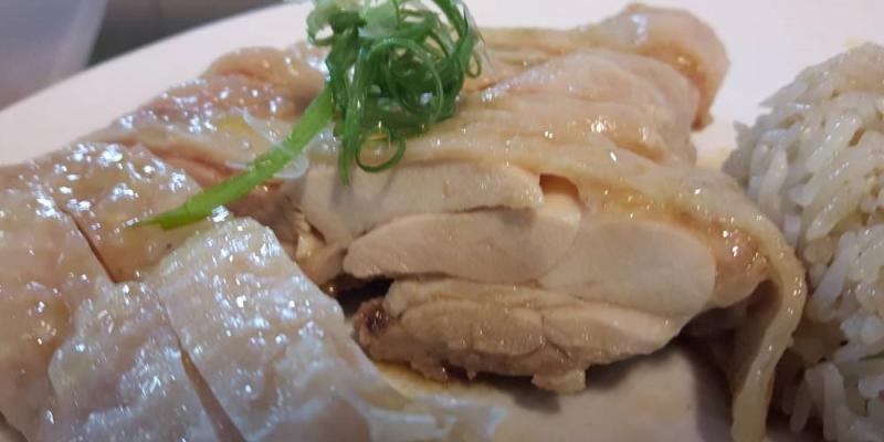 【台南 北區】Selamat datang 馬來西亞料理。海南雞飯好吃名不虛傳|道地南洋叻沙麵多種辛香料超開胃