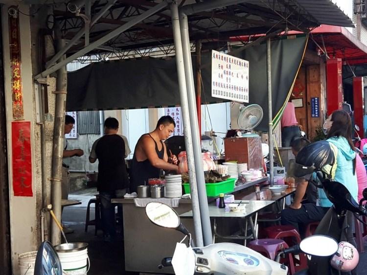 【台南 東區】光明街無名肉燥飯麵攤。老台南人的早餐就是不一樣 懷舊味道一賣五十年 平民價格的最高享受