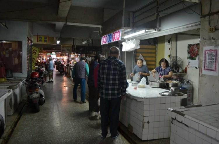 【台南 中西區】 水仙宮市場柯四神湯。台南美食地圖上找不到的隱藏版銅板美食 一天只賣兩小時,遲了就吃不到