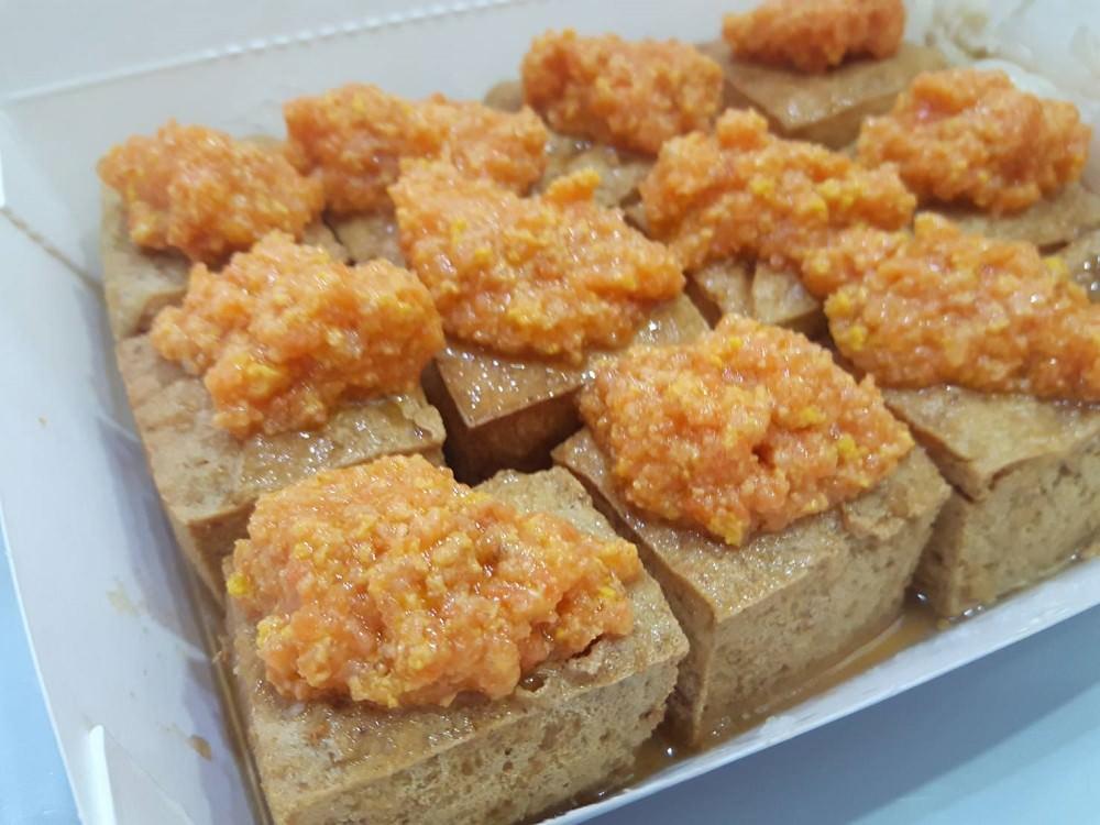 【臺南 中西區】張師傅臭豆腐。蟹黃臭豆腐口感層次令人驚艷 網友形容:堪稱人間極品 - 吃在臺南