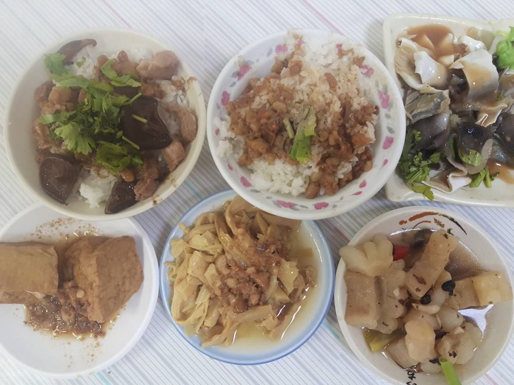 【臺南 中西區】協進小吃。 老臺南人的飯桌早餐 古早味滿足庶民味蕾 行家帶你尋味 - 吃在臺南