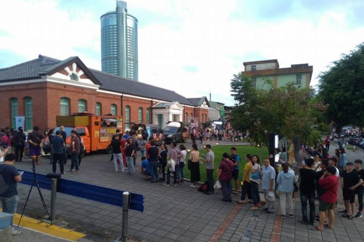 素食小夜市-人氣行動餐車,每次出現就大排長龍的「喬治素食漢堡」明天(11/07)在台南!