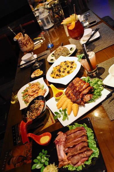 台南‧中西區 Delight 餐&酒 |夜晚悠閒好地方~異國料理、炒物、調酒~好友相聚秘密新基地