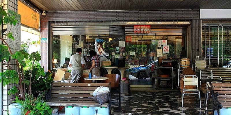 台南‧東區 魚羊鮮豆 東豐店|老字號咖啡早午餐