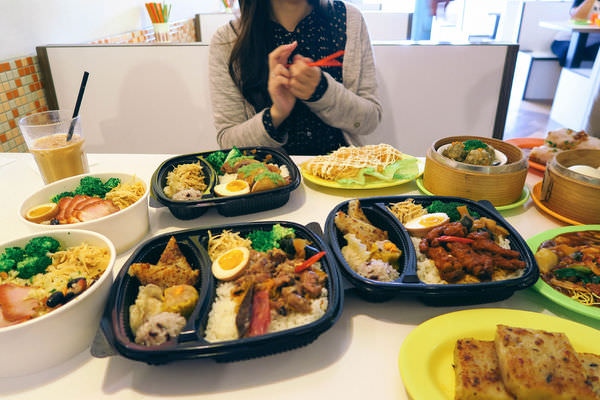 台南道地港味茶餐廳~鑫華冰室現點現做超值午間港式便當開賣!