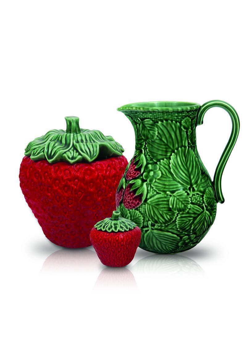 Bordallo Pinheiro Strawberry products