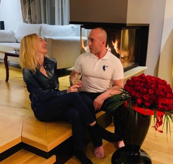 Mediat në Kosovë: Ramush Haradinaj rreh gruan. Reagon Anita: Ja si është e vërteta - Gazeta Bulevard