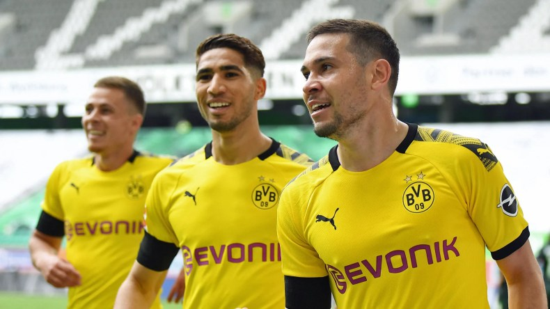 Bundesliga | Borussia Dortmund keep pressure on Bayern Munich with ...