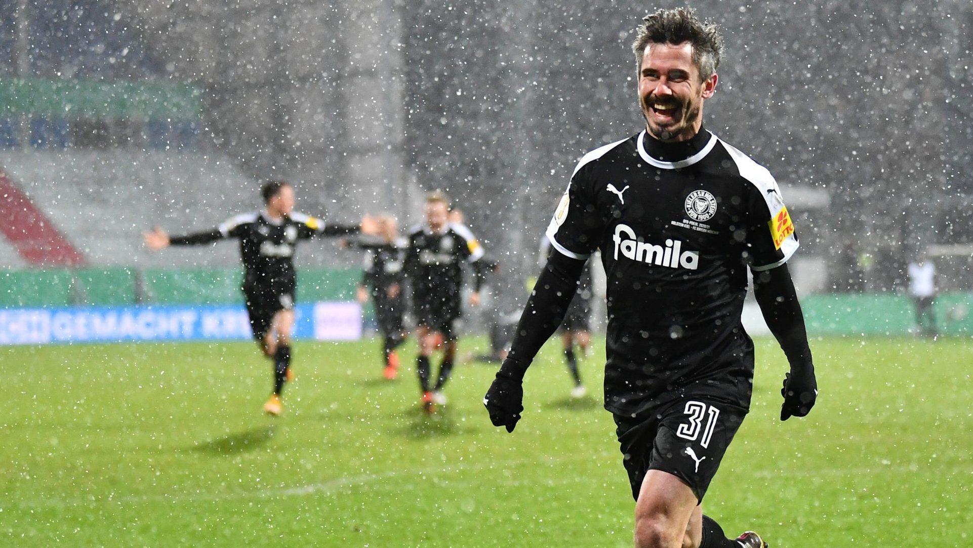https www bundesliga com en bundesliga news holstein kiel bayern munich dfb cup live line ups stats lewandowski davies 14237