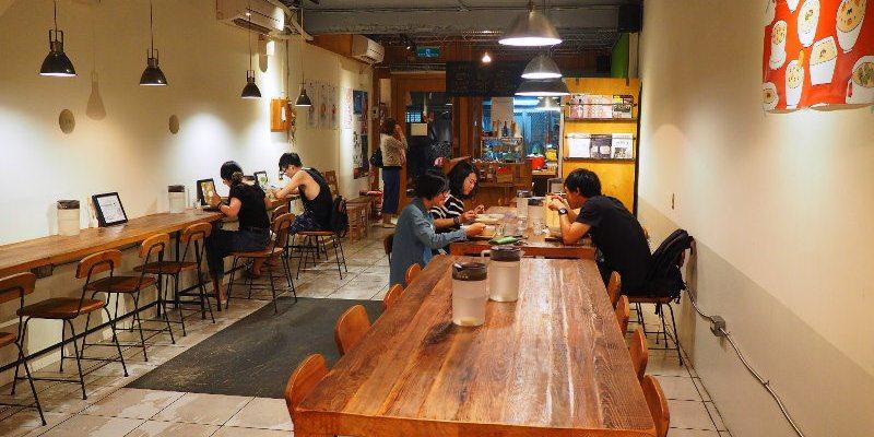 <台中食堂> 家.溫度 湯專門店,用湯品傳遞溫暖的小食堂,彷彿就在自家用餐的氛圍。(台中餐館/台中湯品專賣/向上市場美食)