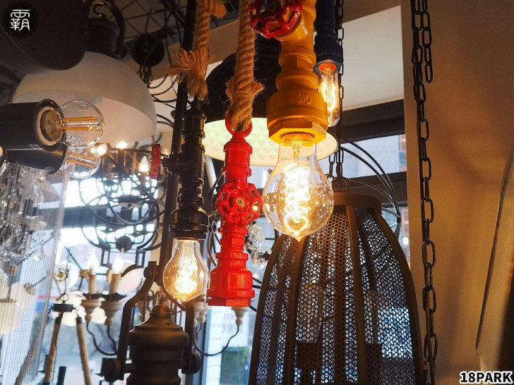 20190914161630 58 - 熱血採訪 | 18PARK流行燈飾傢飾,台中旗艦店全白色系外觀,上萬盞燈具家飾,還有絢麗網美打卡牆!