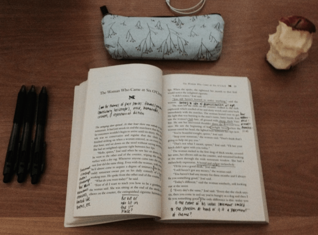 La necesidad de hacer notas en sus páginas es más fuerte que tú.