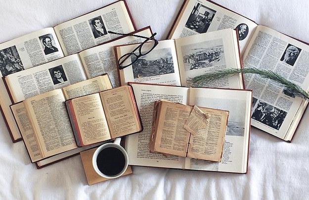 No niegas las ventajas de los libros electrónicos, simplemente prefieres los impresos.