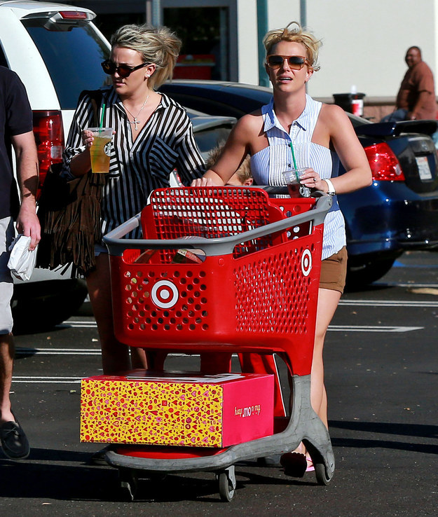 15 Images That Prove Britney Spears Is The Queen Of Target
