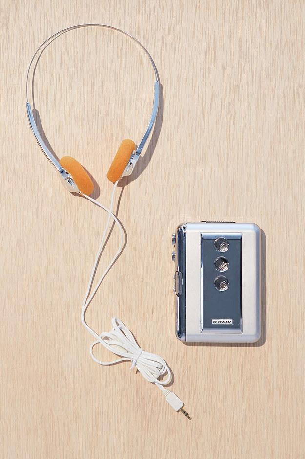 Incluso, si eres de los mas puristas, posiblemente optes por comprarlos con los auriculares que se llevaban en la época.